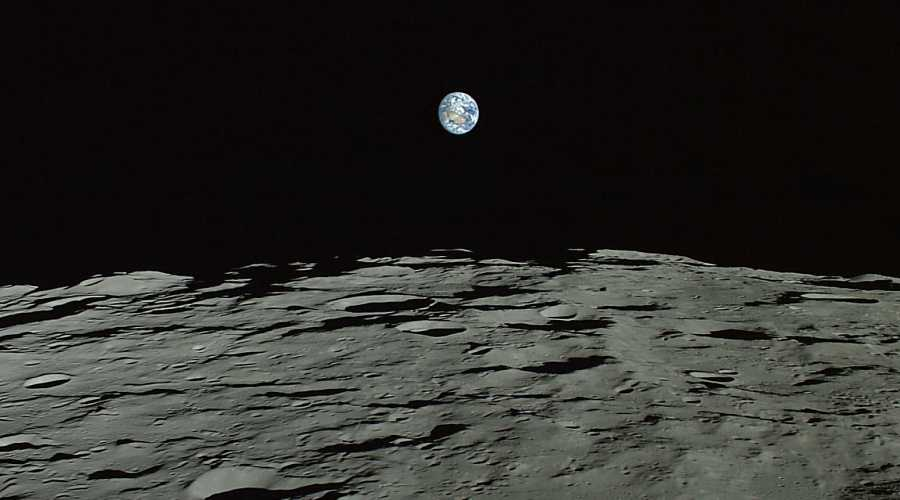 Japan Will Land an Unmanned Probe on The Moon in 2018