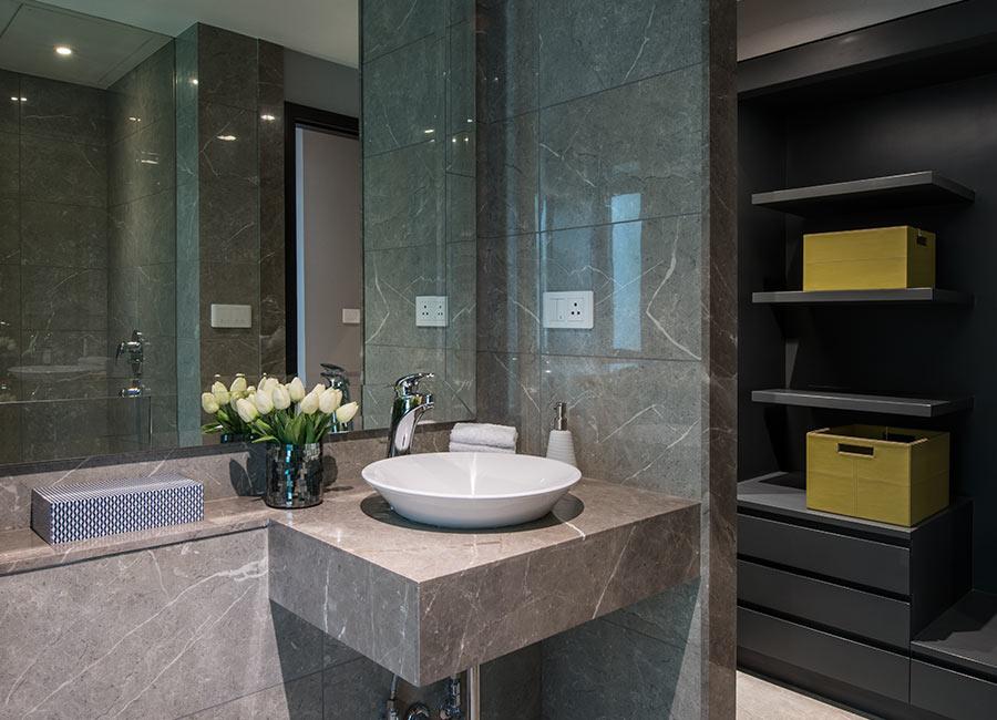 Oberoi Esquire-washroom