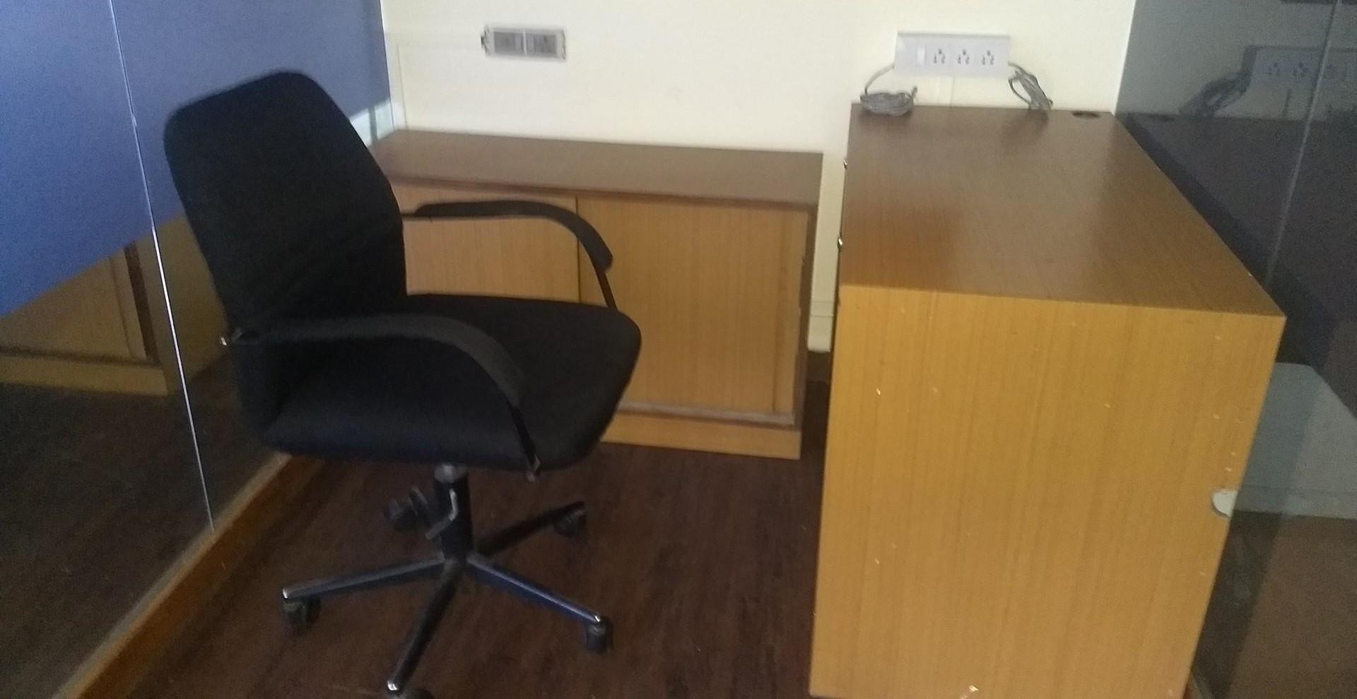 So Lucky Corner Office Space Interior