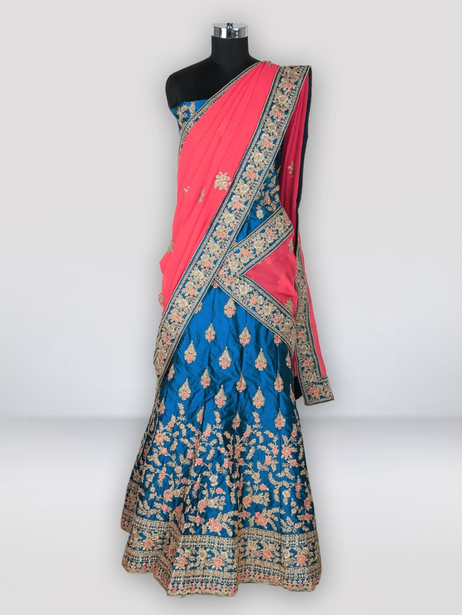 Lehenga - Choose from the trendy Lehenga design collection at best price. Shop for lehenga choli, wedding lehengas & more in various fabric options at Myntra.