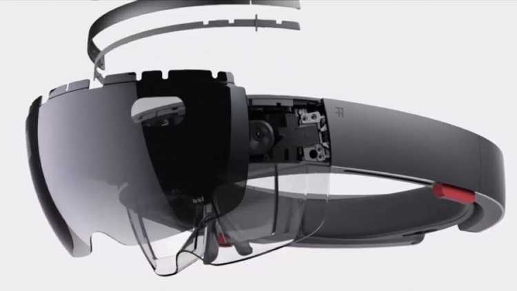 Microsoft Finds A Way To Double the HoloLens Field Of View(FOV)