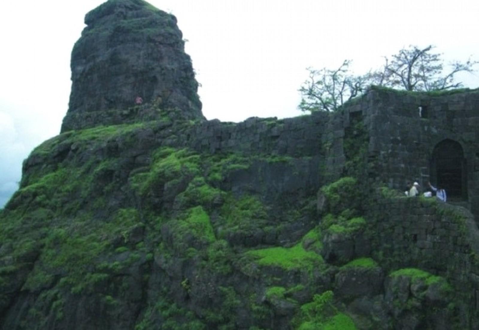 Trek to Karnala Fort