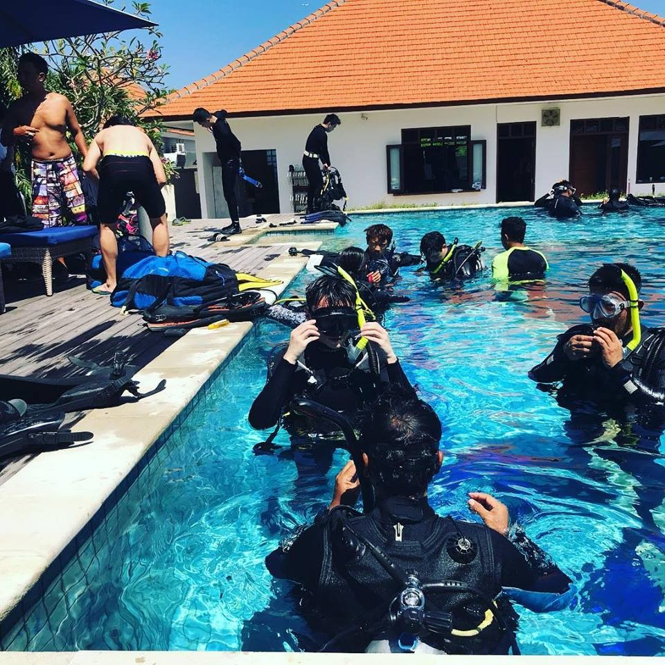 http://www.thegreatnext.com/Scuba Course PADI Open Water Diver Bali Adventure Travel The Great Next