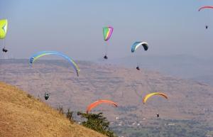 Weekday Tandem Paragliding