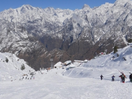 4-day short skiing course in Auli