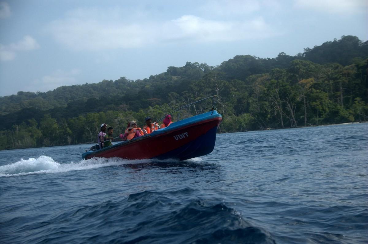 http://www.thegreatnext.com/Snorkelling Elephant Beach Andaman Adventure Travel The Great Next
