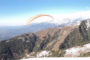 15-min tandem paragliding at Bir Biling