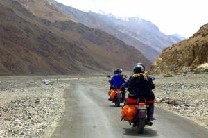 Delhi-Leh-Srinagar-Delhi motorbiking (13 days)