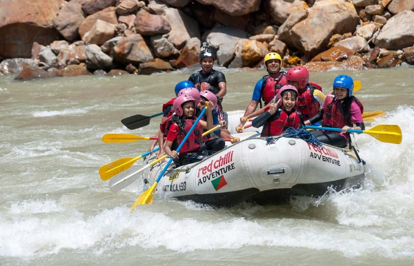 Day Rafting on the Ganges: Marine Drive-Laxman Jhula 26 kms