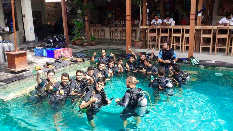http://www.thegreatnext.com/Discover Scuba Diving Gili Islands Bali Indonesia Water Sports Diving International Travel Adventure