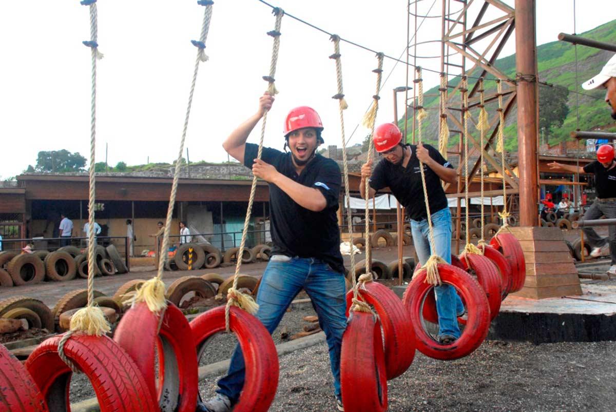 http://www.thegreatnext.com/Adventure Escape Della Adventure Zorbing Rock Climbing Lonavala Ziplining Weekend