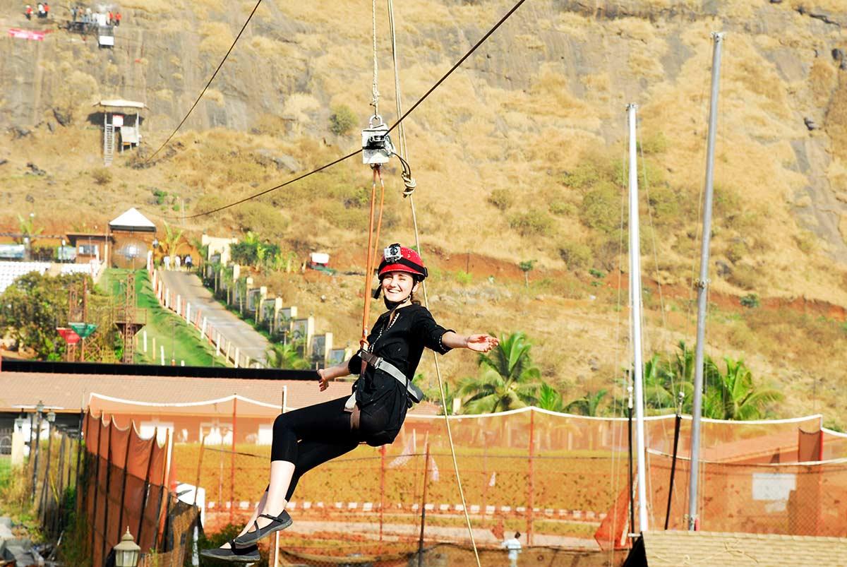http://m.thegreatnext.com/Adventure Escape Della Adventure Zorbing Rock Climbing Lonavala Ziplining Weekend