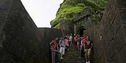 http://m.thegreatnext.com/Lohagad Fort Lonavala Trekking Maharashtra Sahyadri Adventure