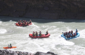 Rafting from Tsogsti to Nimmo on the Zanskar river