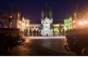 Midnight Cycling Coastal Tour of Mumbai