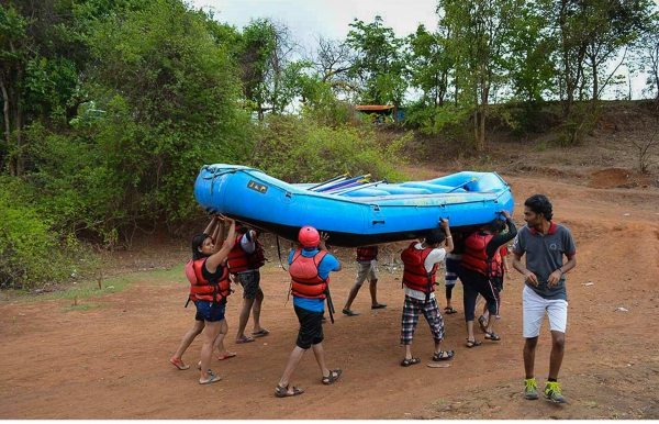 Overnight Stay in Kolad: Weekend Rafting and Cottage Stay