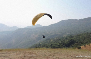 Paragliding with lakeside stay