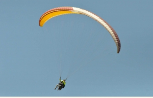 Short Tandem Paragliding in Bir Billing