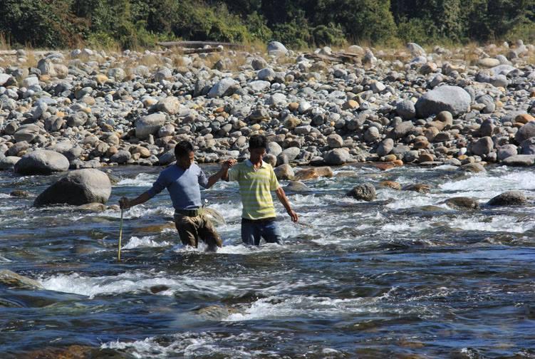 http://m.thegreatnext.com/Meghalaya Multi-adventure Kayaking Dawki River Mawmluh Caving Living Roots Bridge India The Great Next