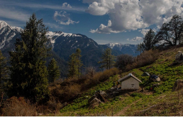 Shilt Hut and Rakhundi trek