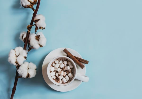 Bourbon Hot Chocolate – Whiskey Cocktail