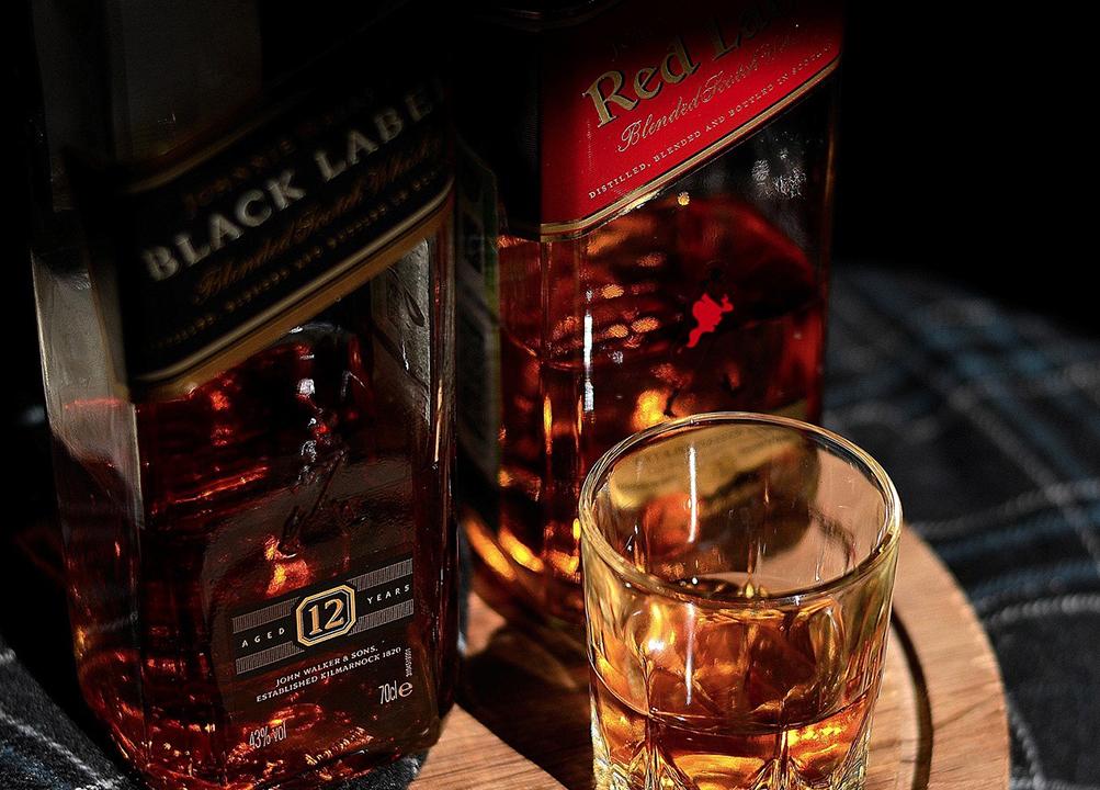 Red Label vs Black Label Scotch whisky