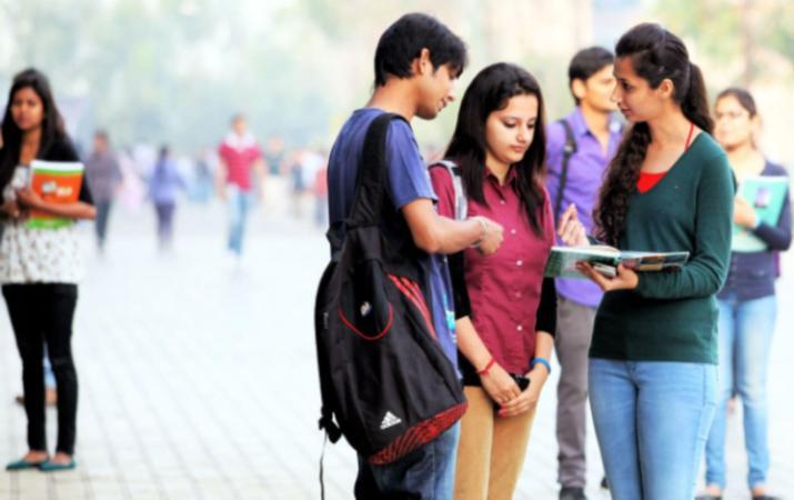 DU postponed postgraduate admissions