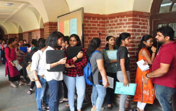 Delhi University 7th cut-off to be released today at du.ac.in