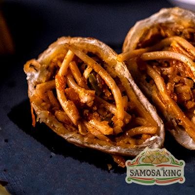 Fiery Schezwan Noodles Samosa (4 Pcs.)