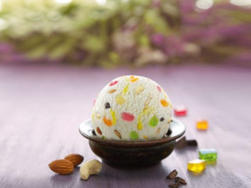 American Dry Fruit Ice Cream (1 ltr)