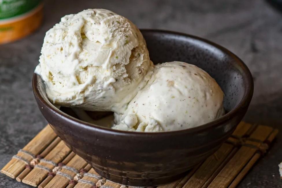 Mava Malai Ice Cream (1 ltr)