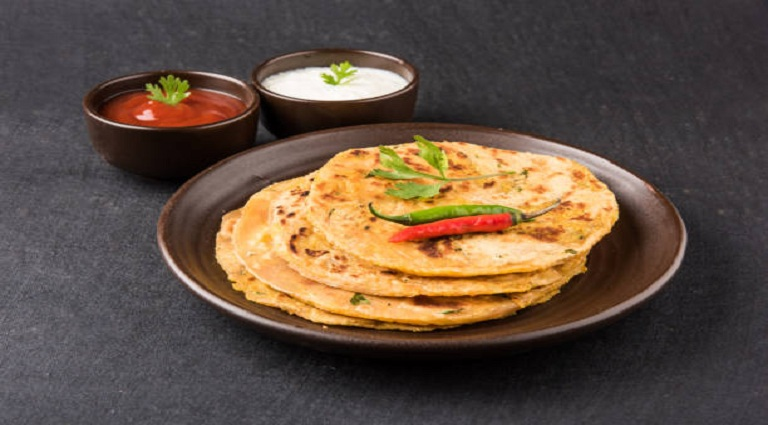 Maharashtrian Mejwani Roti Paratha.com Background