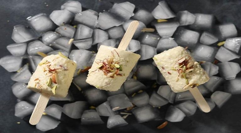 Madhuli Ice Cream Background