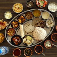 Om Catering Service Logo
