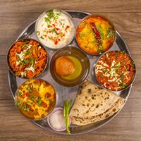 Gayatri Catering Logo