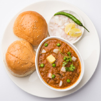 Shivam Pavbhaji & Fastfood Logo
