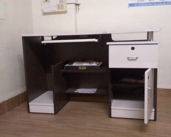 Less Used Office Furniture For Sale At Andheri Furniture Mumbai