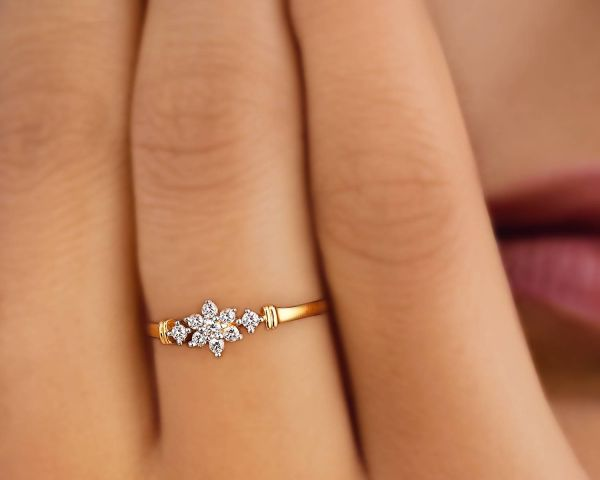 Tanishq Diamond Ring Floral Yellow Gold Jewelry Connaught Place