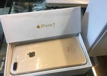 2 Weeks used Apple iPhone 7 plus 128GB