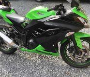 2013 Kawasaki Ninja EX300 Green Dent free.160015