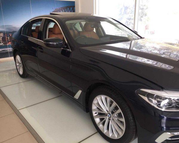 Bmw 520d Luxury Line 2019 Model