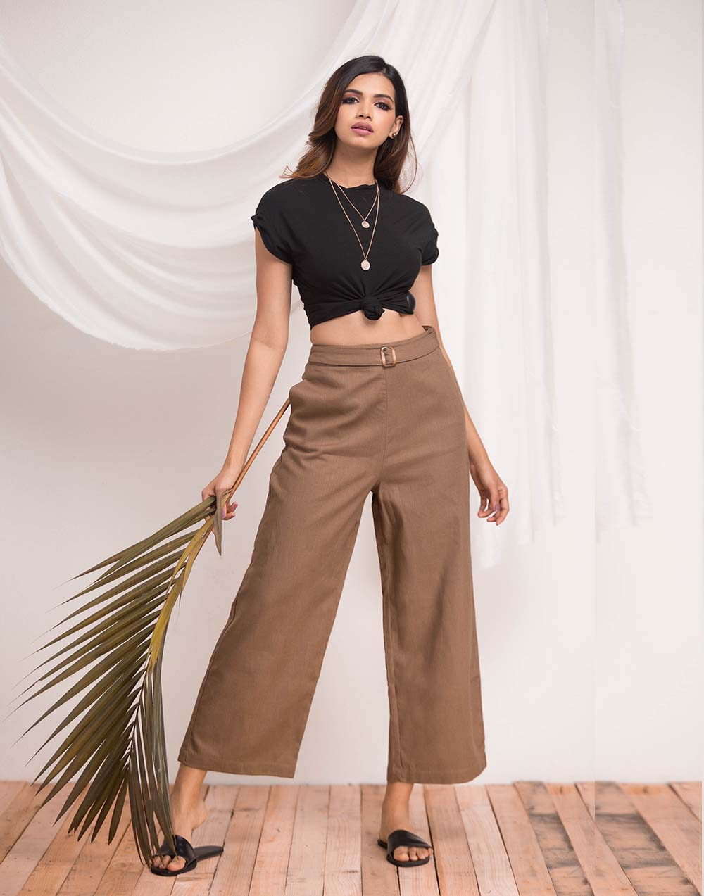 Buckle Detailed Linen Pant