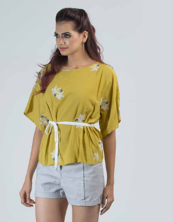 Embroidery Floral Contrast Fashion Top !