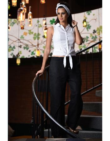 Basic tie front sleeveless top