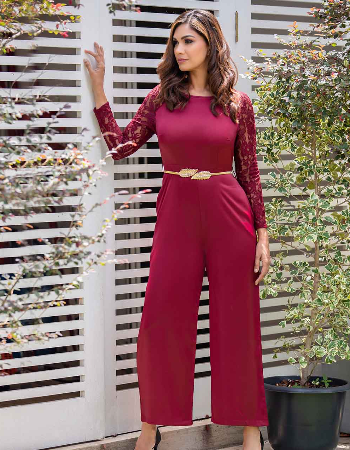 Sattin Jumsuit with sleeve lace
