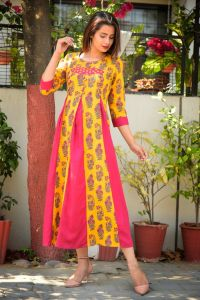 Stylish printed rayon kurta with patchwork and button details
