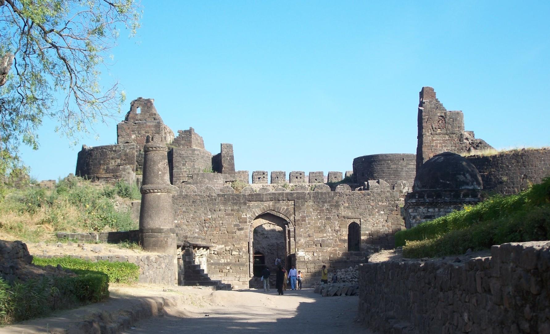 Daulatabad (1).jpg
