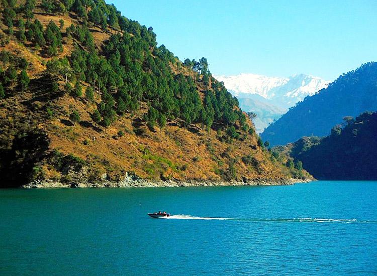 chamera-lake.jpg