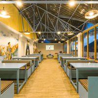 Cosy, modern cafe at Zostel Dalhousie