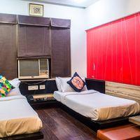Twin bed room at Zostel Delhi